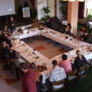 Gruppenarbeit in Tagungsraum