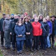 Gruppe der FreiwilligenkoordinatorInnen im Wald